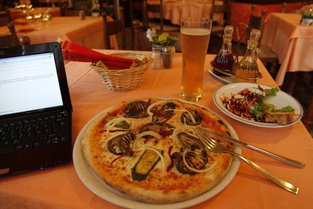 Tagesabschluss mit orignal italienischer Pizza. Lecker!