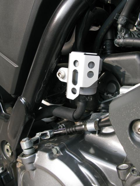 Bremsflüssigkeitsbehälter mit Abdeckung